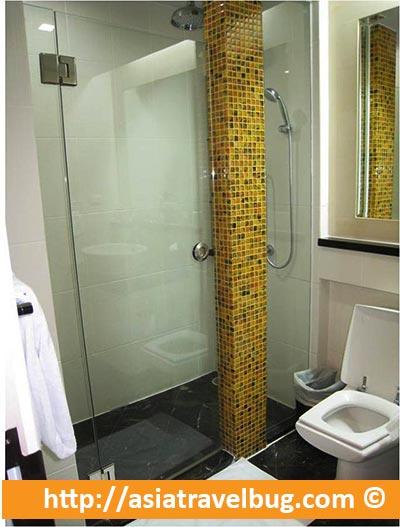 Urbana Langsuan Bathroom
