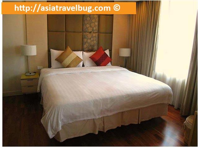 Comfy Bed and Pillows at Urbana Langsuan Hotel