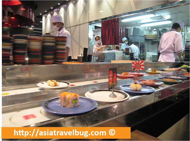 Food Conveyor Belt in Shabu Shi Restaurant