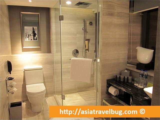 Compact Bathroom in Grand Mercure Shanghai