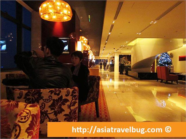 Executive Lounge at Renaissance Shanghai Zhongshan Park Hotel - Ground Level