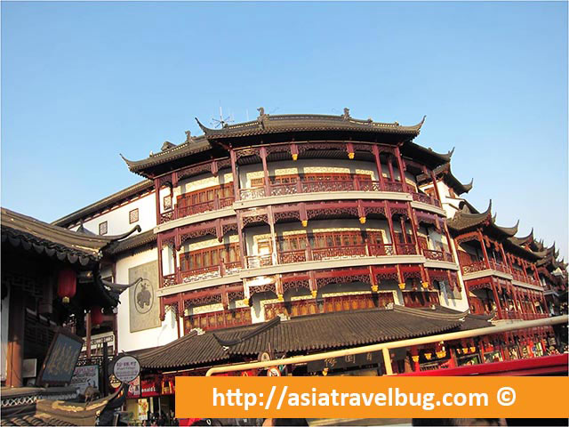 Yu Yuan Garden View from the Shanghai Hop on Hop off Bus