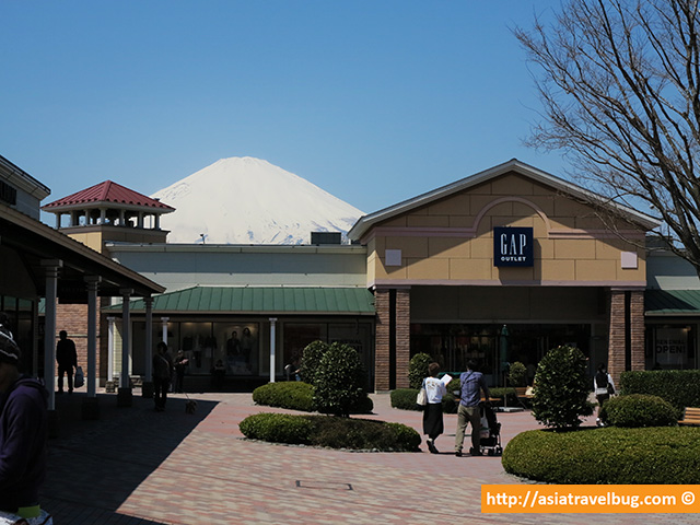 Mount Fuji View Behind the Gap Store in Gotemba Premium Outlets