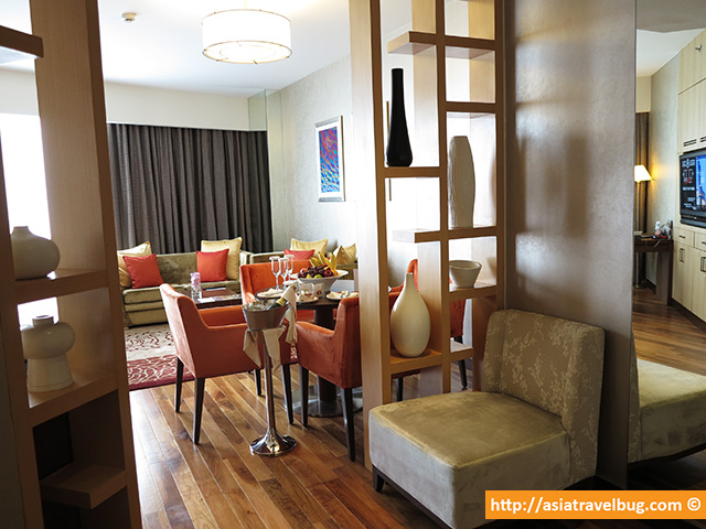 Executive Suite at 49th Floor of Central Grand at Central World Hotel