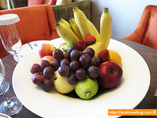 Big Bowl of Welcome Fruits | Centara Grand at Central World Hotel