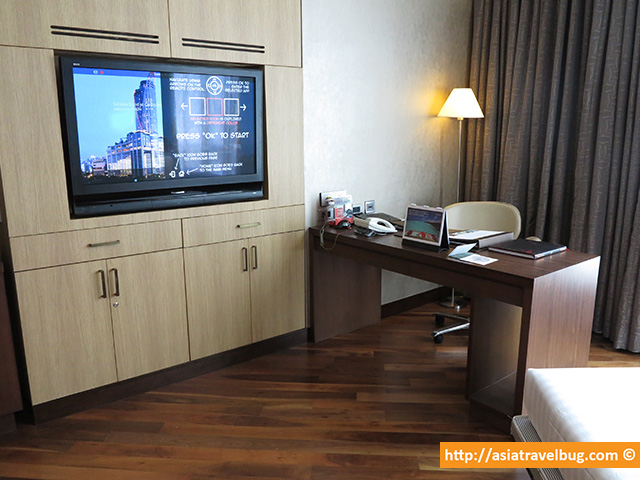Great Work Area | Executive Suite | Centara Grand at Central World Hotel