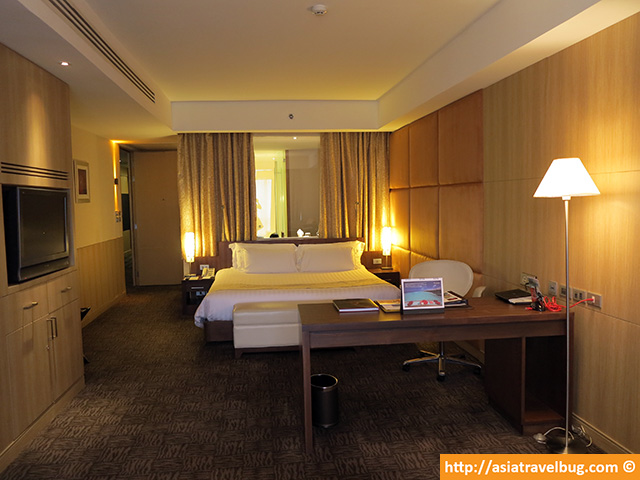 Premium World Room at 54 Sqm | Centara Grand at Central World