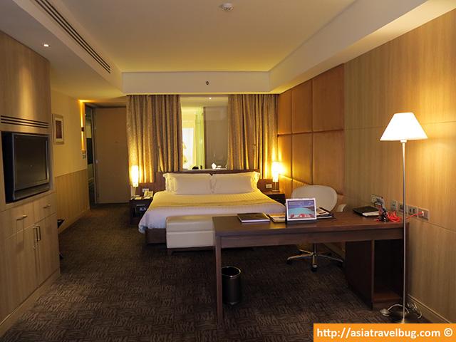 Premium World Room at 54 Sqm | Centara Grand at Central World