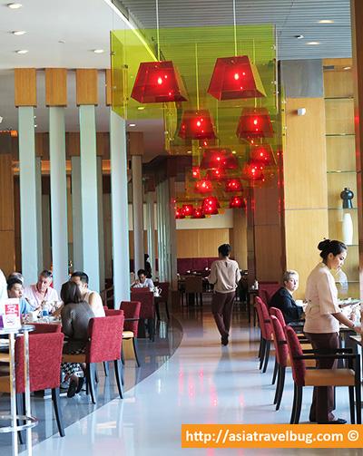The World All Day Dining Restaurant | Centara Grand at Central World