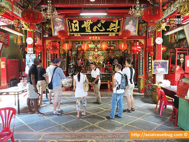 Inside the Chinese Guan Wu Shrine