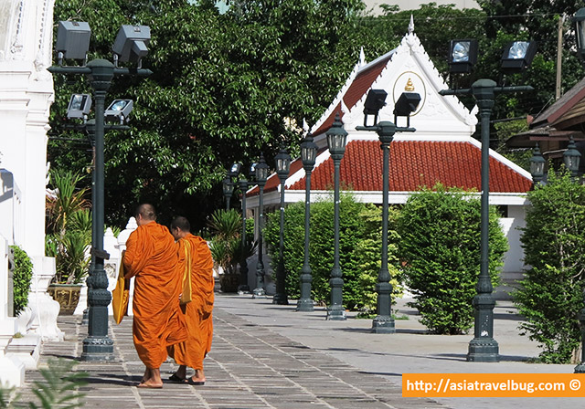 Bangkok travel - monks