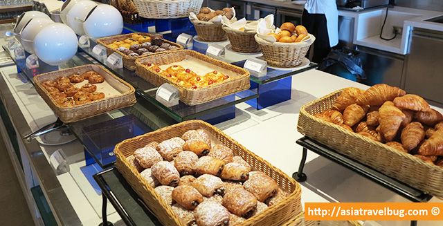 Pastries at the World Restaurant