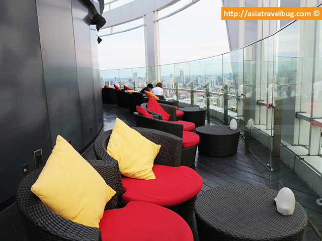 Ample Space in Red Sky Bar