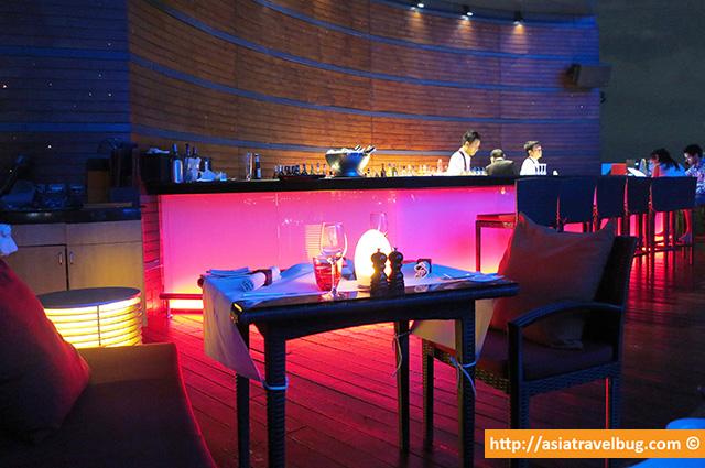 Red Sky Restaurant Really Felt Cozy and Modern