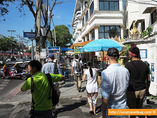 Thonburi Walking Tour with Expique