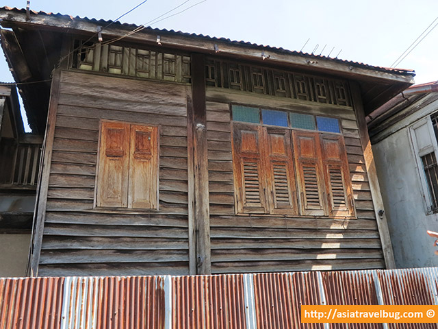 Really Old Thonburi Wooden House