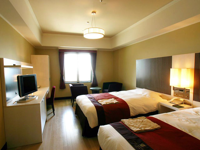 hotel monterey lasouer osaka where to stay in osaka castle area